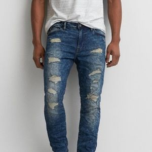 AMERICAN EAGLE OUTFITTERS Distressed Flex Jeans 32